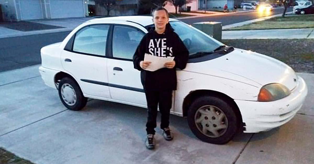 vende xbox para comprarle un carro a mama